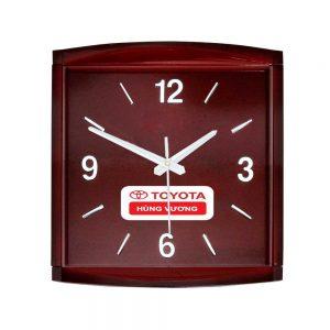 Đồng hồ quảng cáo giả gỗ
